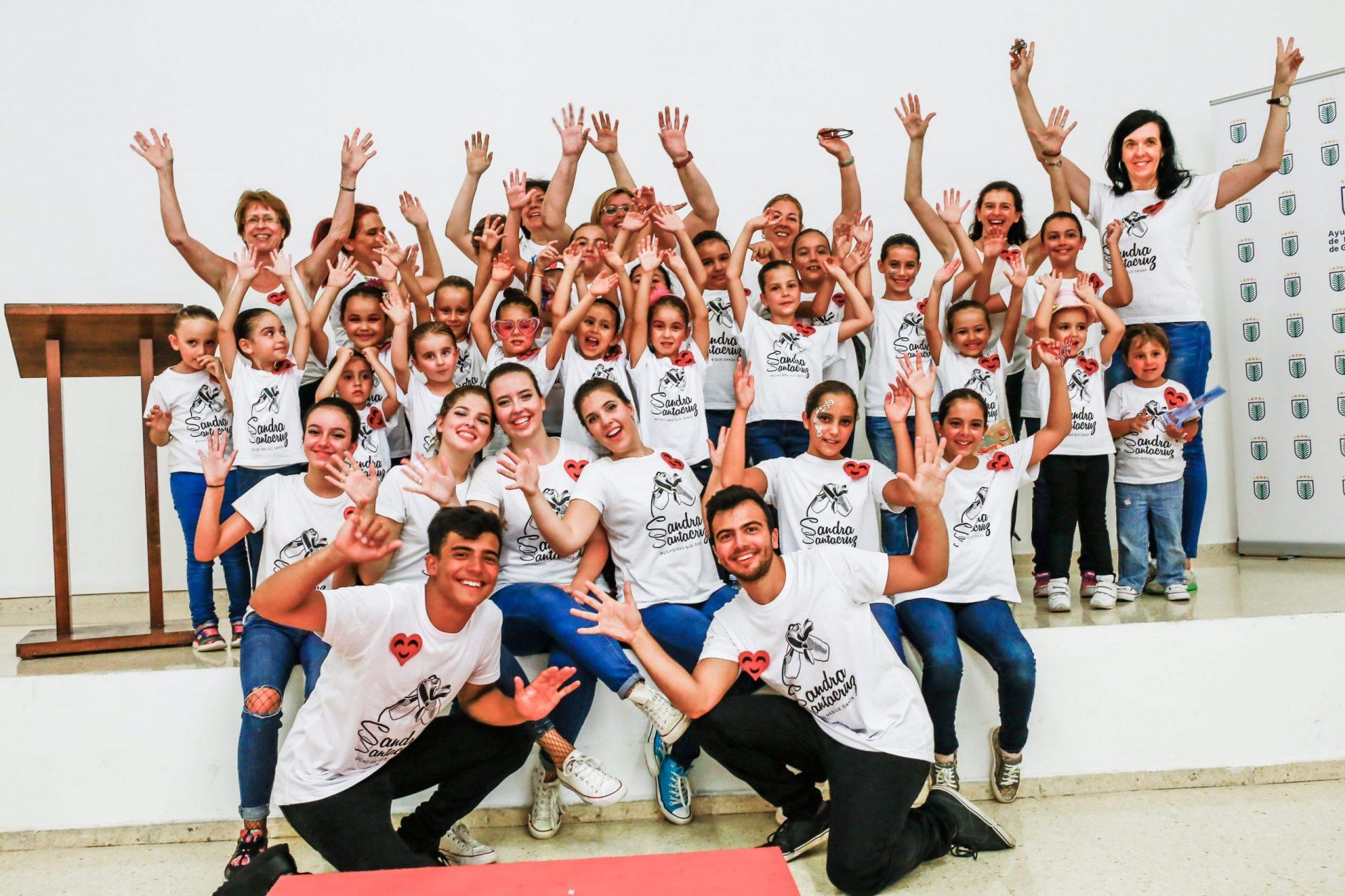 Foto del Centro de Danza Sandra tras su desfile de creatividad: