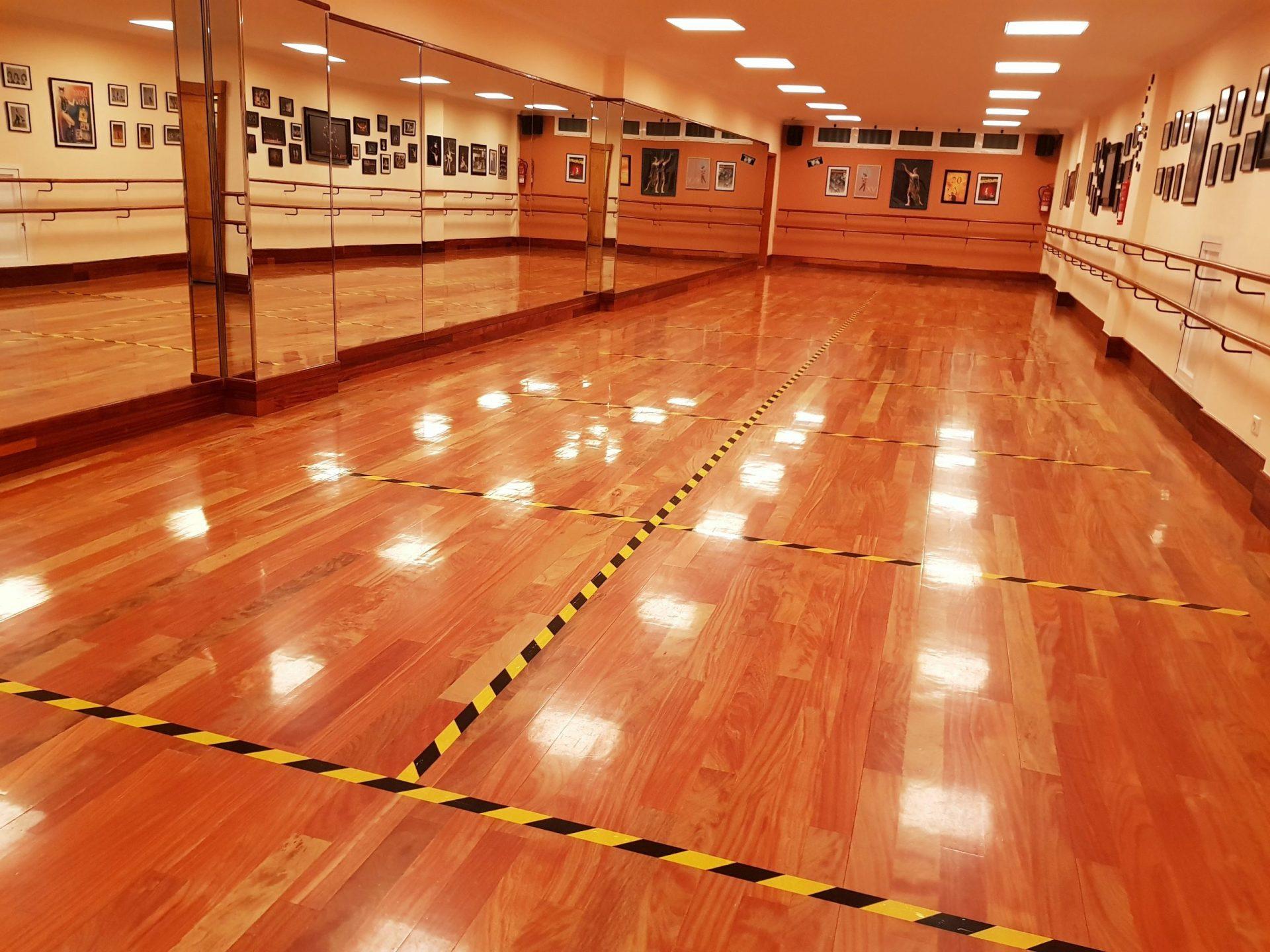 Sala de baile del Centro de Danza Sandra Santa Cruz de la Avda.de Escaleritas 56 adaptada con las medidas frente a la Covi-19.