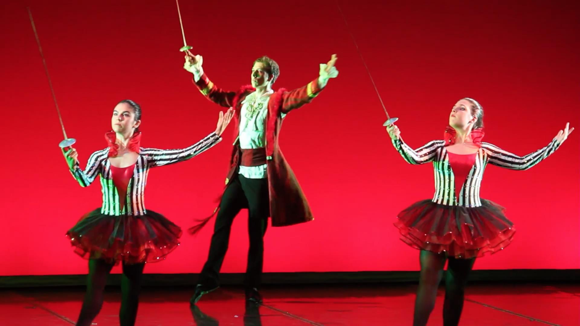 Foto de tres peces espada del Musical