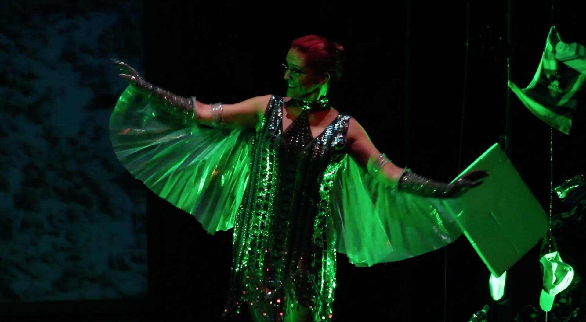Foto de Dina la Voladora del Musical